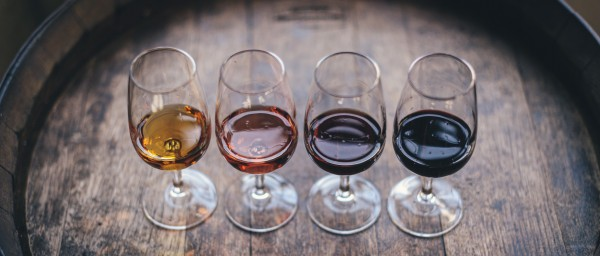 Online Taste and Chat - Wine in Words, a Sensorial Experience